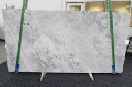 Lieferung geschliffene Unmaßplatten 2 cm aus Natur Marmor BLUE DE SAVOIE 1259. Detail Bild Fotos