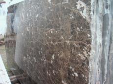 Lieferung polierte Unmaßplatten 2 cm aus Natur Marmor EMPERADOR OSCURO E-O502. Detail Bild Fotos