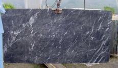 Lieferung polierte Unmaßplatten 2 cm aus Natur Marmor GRIGIO CARNICO SRC41125. Detail Bild Fotos