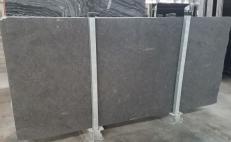 Lieferung geschliffene Unmaßplatten 2 cm aus Natur Kalkstein NERO D'AVOLA 1349M. Detail Bild Fotos