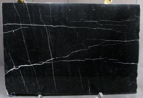 Lieferung polierte Unmaßplatten 2 cm aus Natur Marmor NERO MARQUINA 1133M. Detail Bild Fotos
