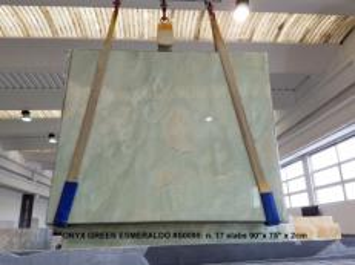 Lieferung polierte Unmaßplatten 2 cm aus Natur Onyx ONICE VERDE AA S0095. Detail Bild Fotos