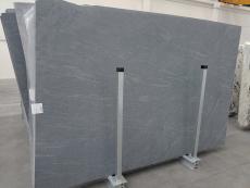 Lieferung geschliffene Unmaßplatten 2 cm aus Natur Kalkstein PIETRA DI CARDOSO 1338. Detail Bild Fotos