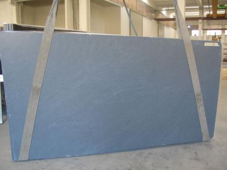 Lieferung geschliffene Unmaßplatten 3 cm aus Natur Kalkstein PIETRA DI CARDOSO C-N16222. Detail Bild Fotos