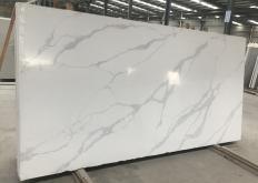 Lieferung polierte Unmaßplatten 3 cm aus künstlichem Aglo Quarz POMPEI AA2021P. Detail Bild Fotos