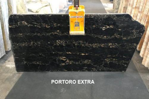Lieferung polierte Unmaßplatten 2 cm aus Natur Marmor PORTORO EXTRA AA D0023. Detail Bild Fotos
