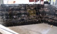Lieferung polierte Unmaßplatten 2 cm aus Natur Marmor PORTORO E-B12034. Detail Bild Fotos