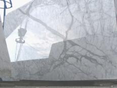 Lieferung polierte Unmaßplatten 2 cm aus Natur Marmor STATUARIETTO E-O414. Detail Bild Fotos