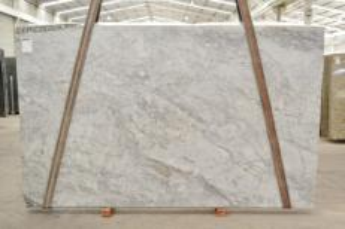 Lieferung polierte Unmaßplatten 2 cm aus Natur Dolomit SUPER WHITE BQ02360. Detail Bild Fotos