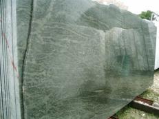Lieferung polierte Unmaßplatten 2 cm aus Natur Granit TROPICAL GREEN MARITAKA EDM25123. Detail Bild Fotos