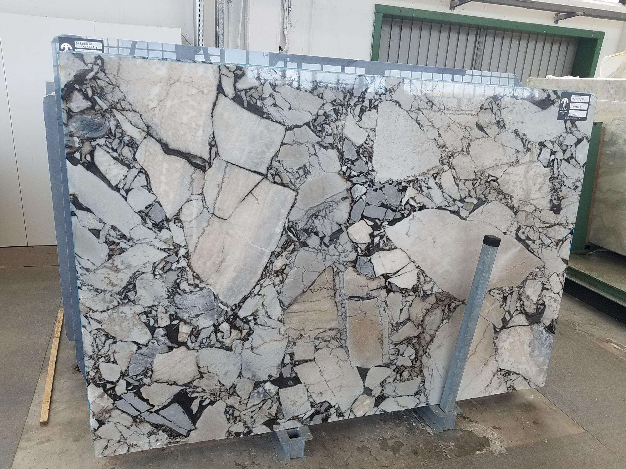 BEAUTY GREY polierte Unmaßplatten UL0077 aus Natur Marmor , SL2: Lieferung Veneto, Italien