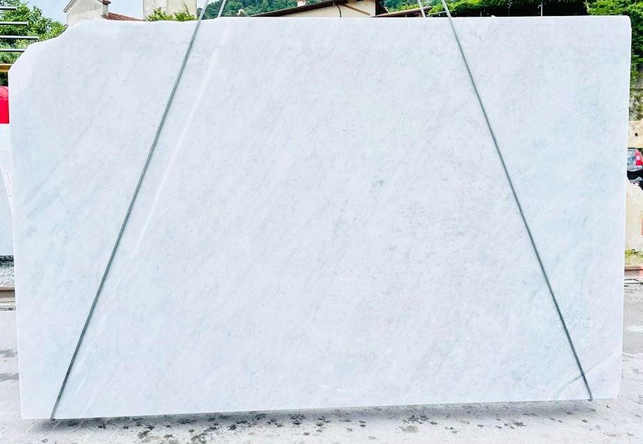BIANCO CARRARA C rohe Unmaßplatten D210930 aus Natur Marmor , Bnd01: Lieferung Veneto, Italien