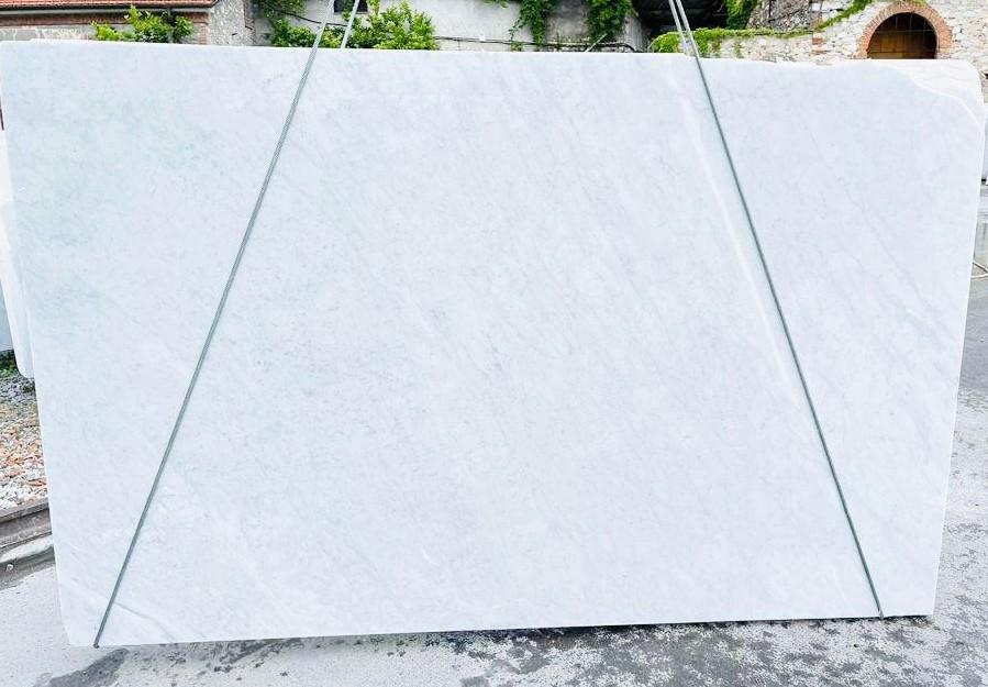 BIANCO CARRARA C rohe Unmaßplatten D210930 aus Natur Marmor , Bnd02: Lieferung Veneto, Italien