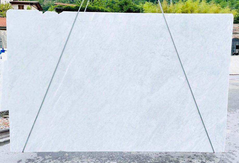 BIANCO CARRARA C rohe Unmaßplatten D210930 aus Natur Marmor , Bnd03: Lieferung Veneto, Italien