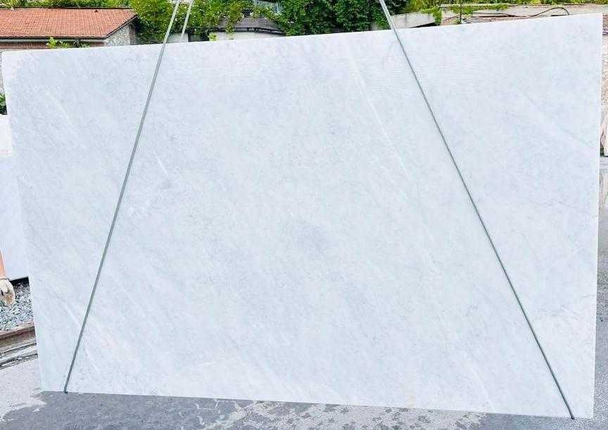 BIANCO CARRARA C rohe Unmaßplatten D210930 aus Natur Marmor , Bnd05: Lieferung Veneto, Italien