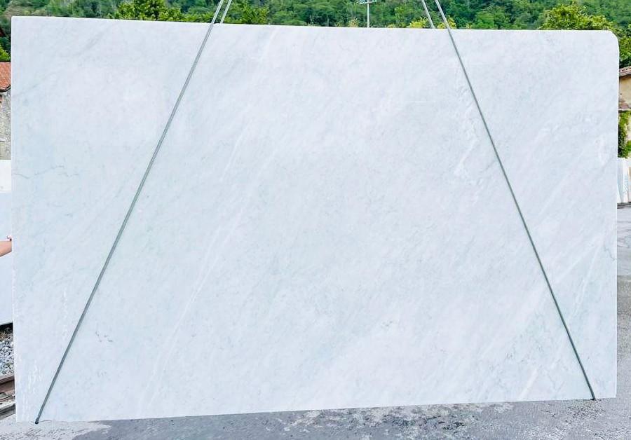 BIANCO CARRARA C rohe Unmaßplatten D210930 aus Natur Marmor , Bnd06: Lieferung Veneto, Italien