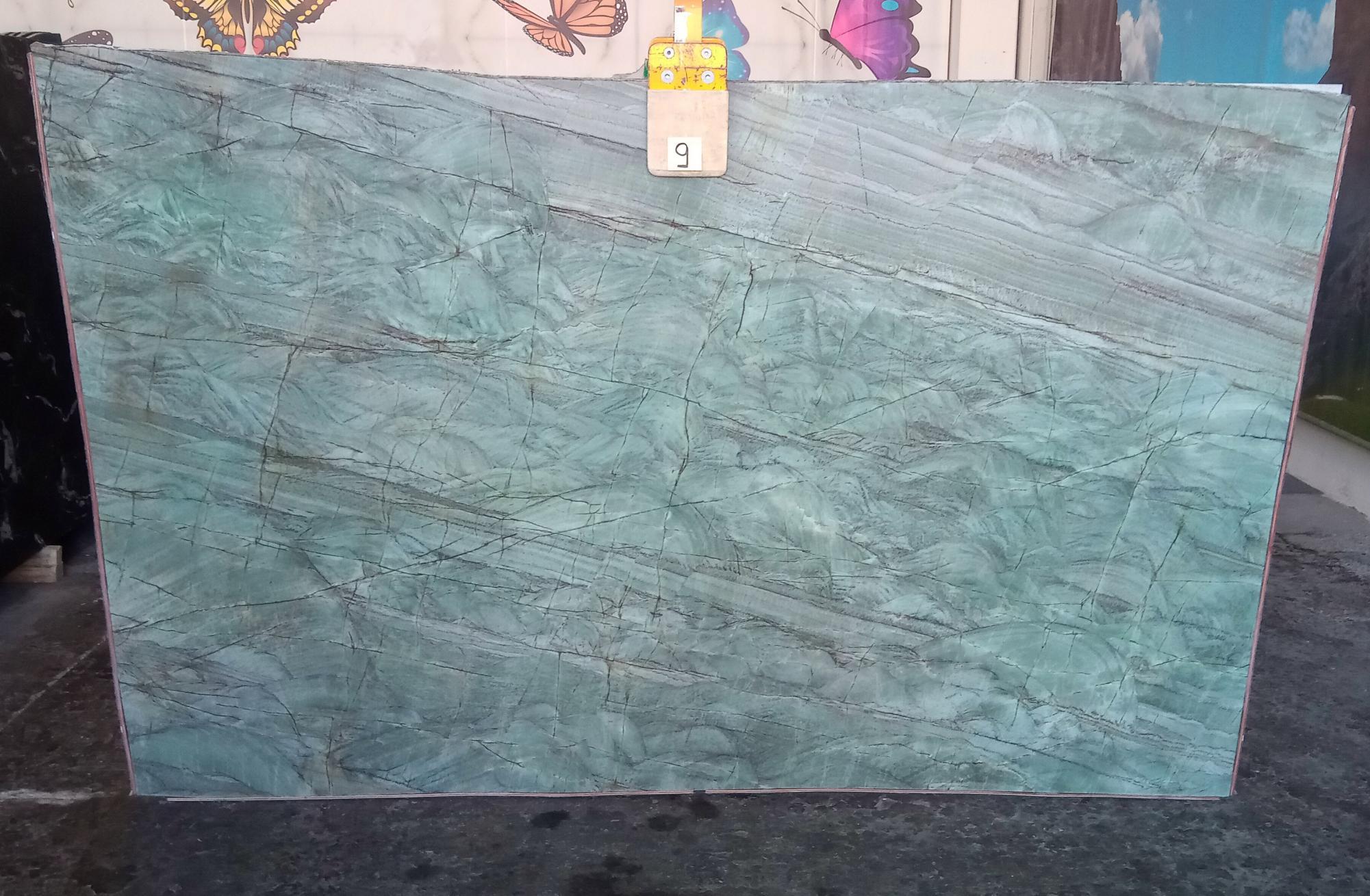 EMERALD GREEN polierte Unmaßplatten Z0209 aus Natur Quarzit , Slab #09: Lieferung Veneto, Italien