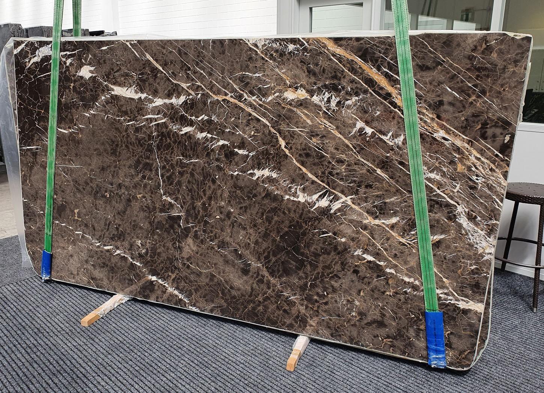 MARRON IRIS polierte Unmaßplatten 1404 aus Natur Marmor , Slab #18: Lieferung Veneto, Italien