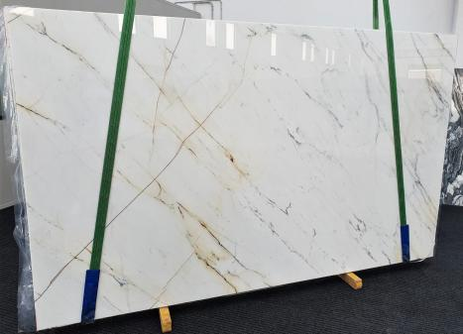 PAONAZZO polierte Unmaßplatten 1432 aus Natur Marmor , Slab #09: Lieferung Veneto, Italien