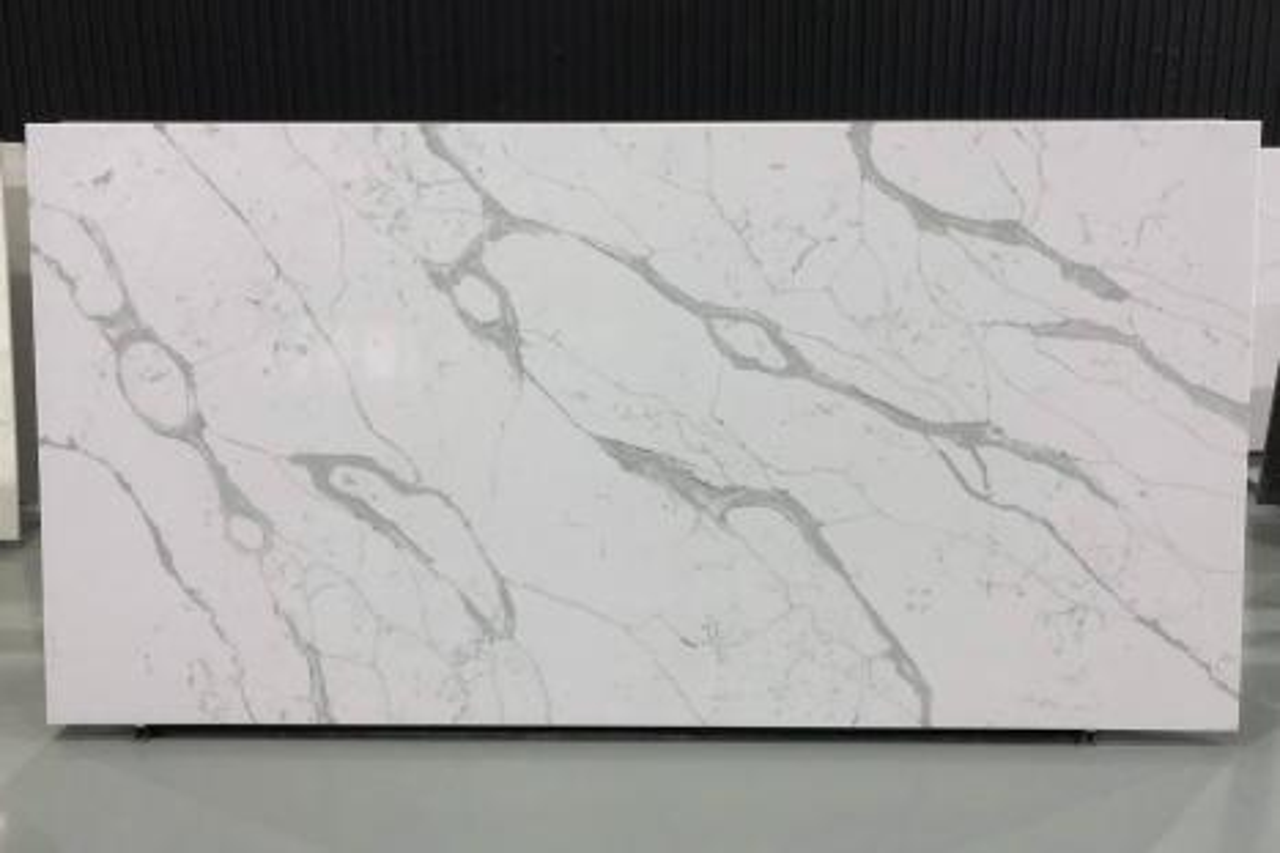 PISA polierte Unmaßplatten V7008 aus künstlichem Aglo Quarz , SL3CM: Lieferung Hai Phong, Vietnam