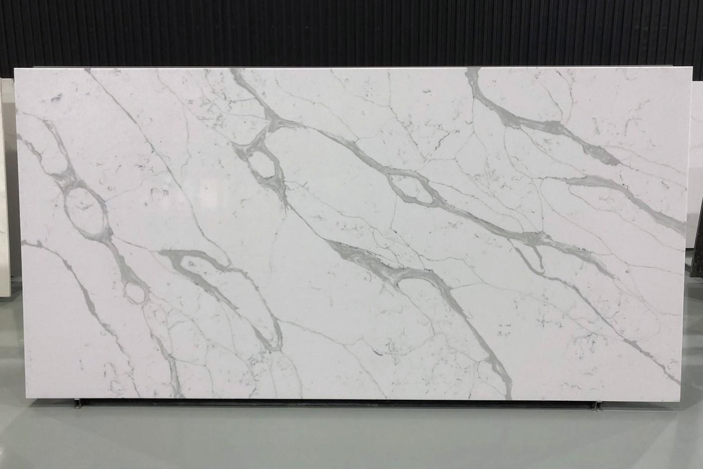 PISA polierte Unmaßplatten V7008 aus künstlichem Aglo Quarz , SL2CM: Lieferung Hai Phong, Vietnam