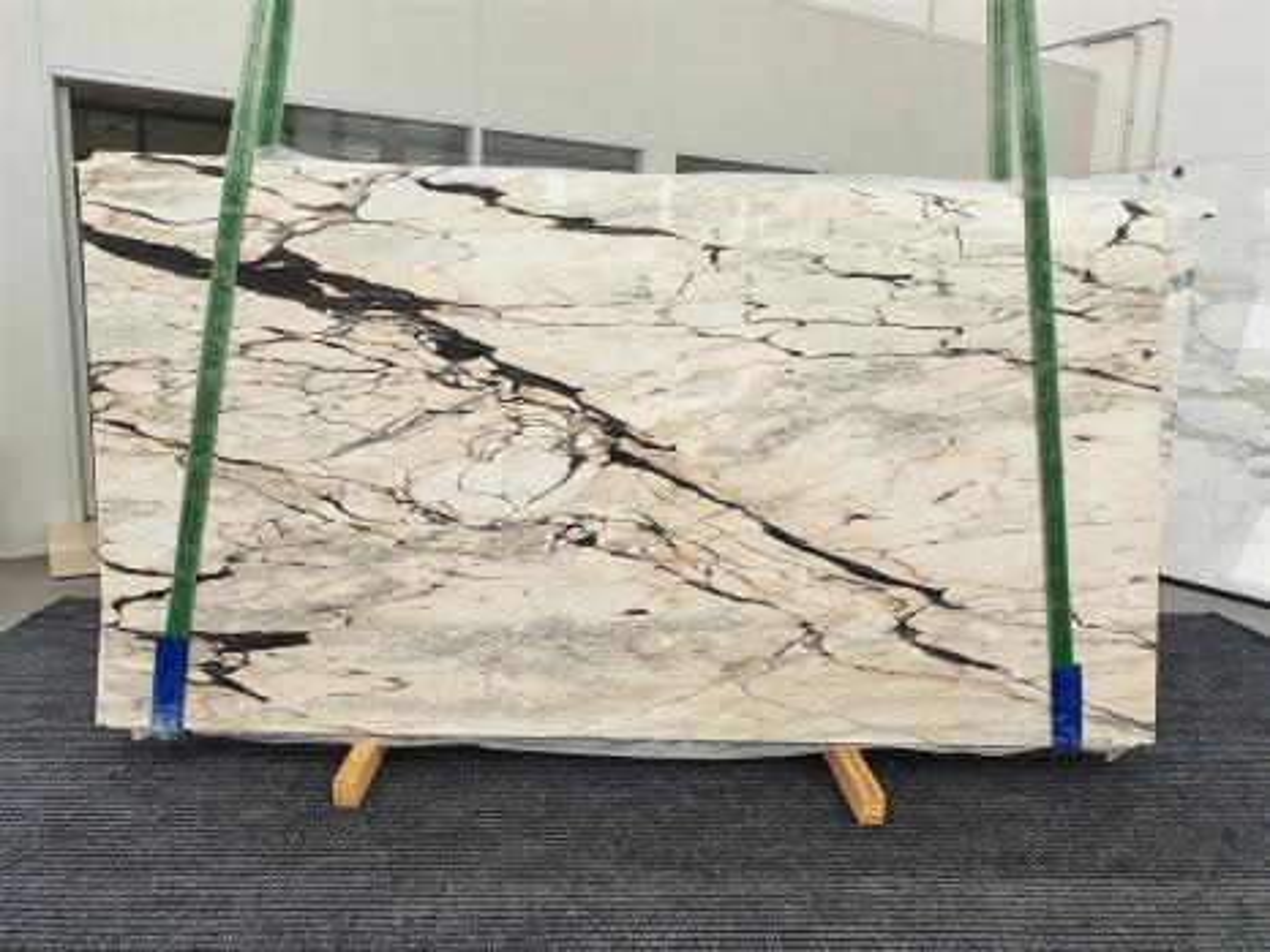 STATUARIO CORAL polierte Unmaßplatten 1328 aus Natur Marmor , Bundle #03: Lieferung Veneto, Italien