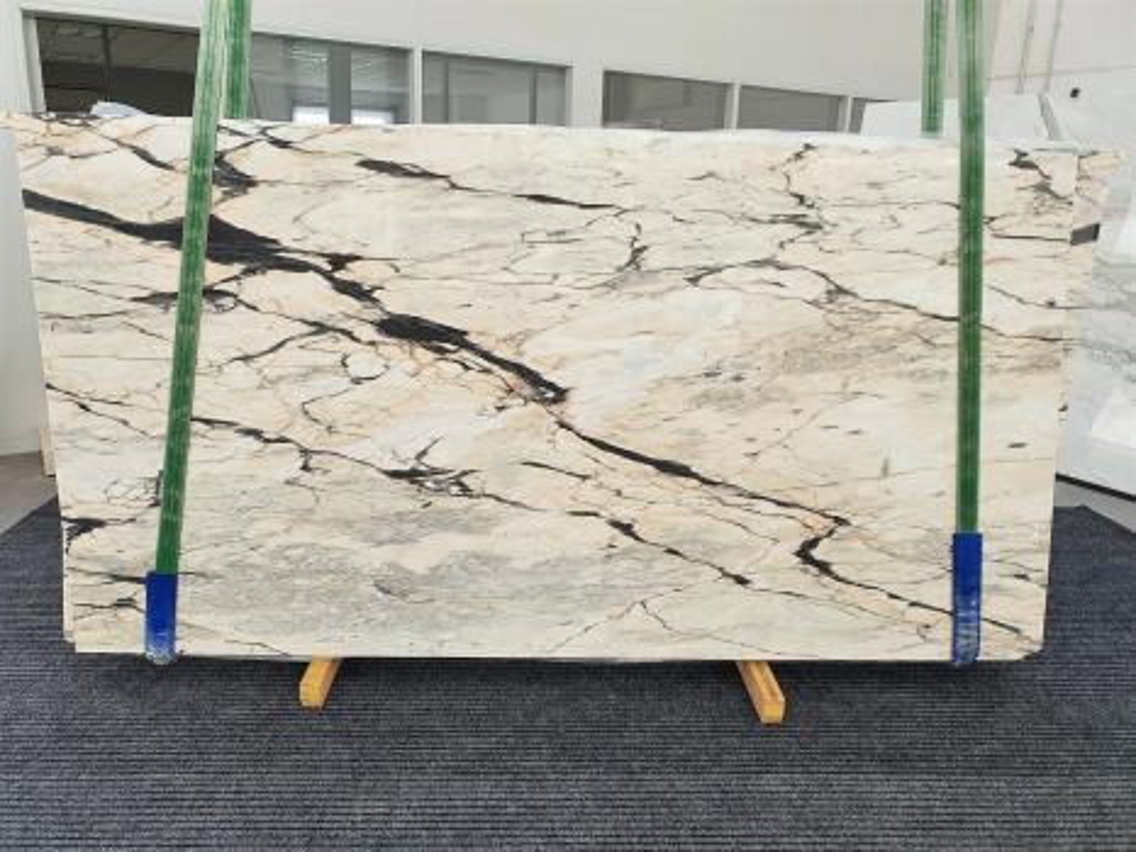 STATUARIO CORAL polierte Unmaßplatten 1328 aus Natur Marmor , Bundle #02: Lieferung Veneto, Italien