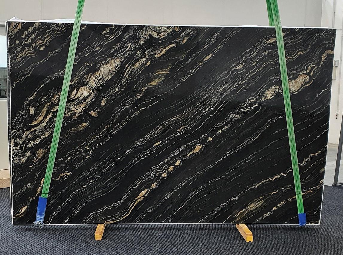 TROPICAL STORM polierte Unmaßplatten 1364 aus Natur Quarzit , Slab #02: Lieferung Veneto, Italien