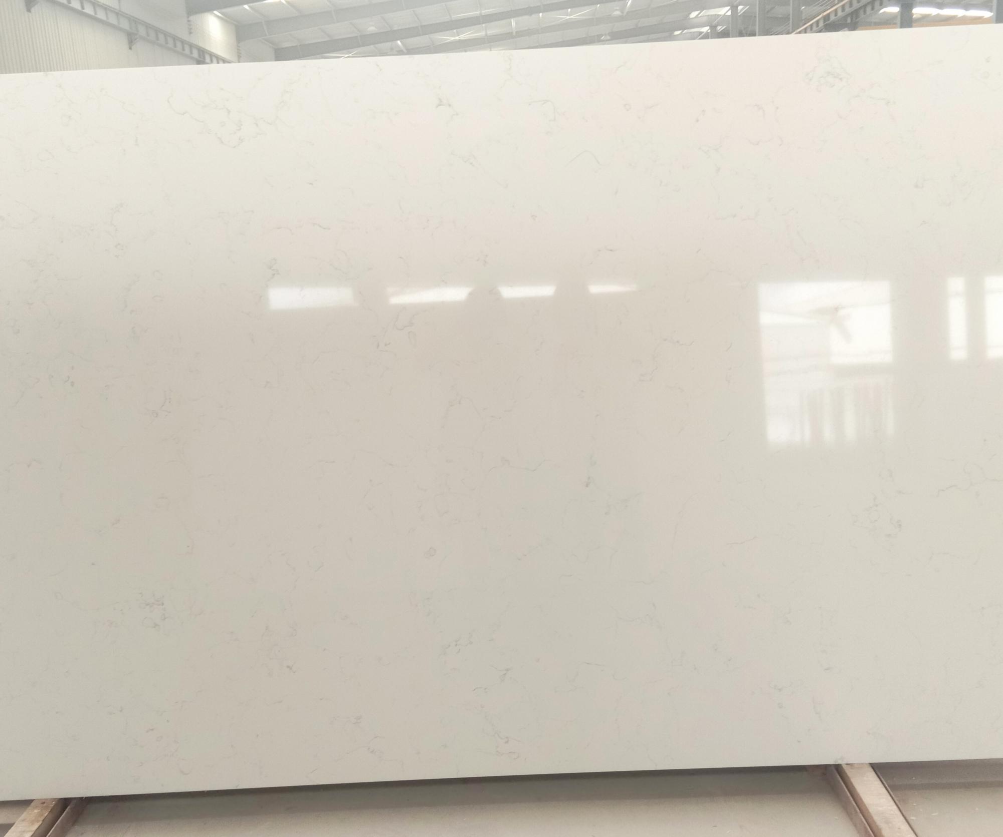 Venetian White polierte Unmaßplatten 6302 aus künstlichem Aglo Quarz , SL3CM: Lieferung Hai Phong, Vietnam
