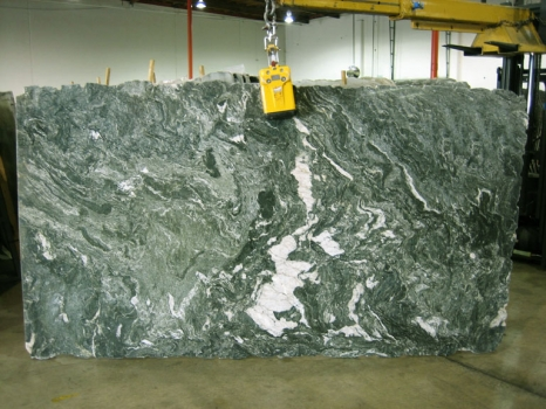 VERDITALIA polierte Unmaßplatten cev32432 aus Natur Gneis: Lieferung, Italien